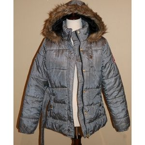 Like New womens South Pole puffer coat size med.
